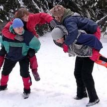 Детская игра — «Всадники»