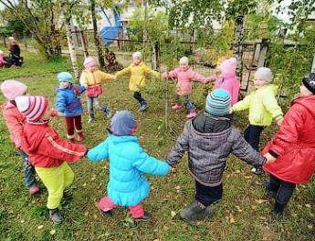 Хороводная игра для малышей — «Надувайся, наш пузырь»
