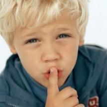 Классическая детская игра — «Молчанка»